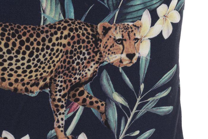 32027-cojin-estampado-leopardo-1.jpg